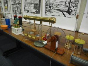 吉川が復元した静電気実験機器